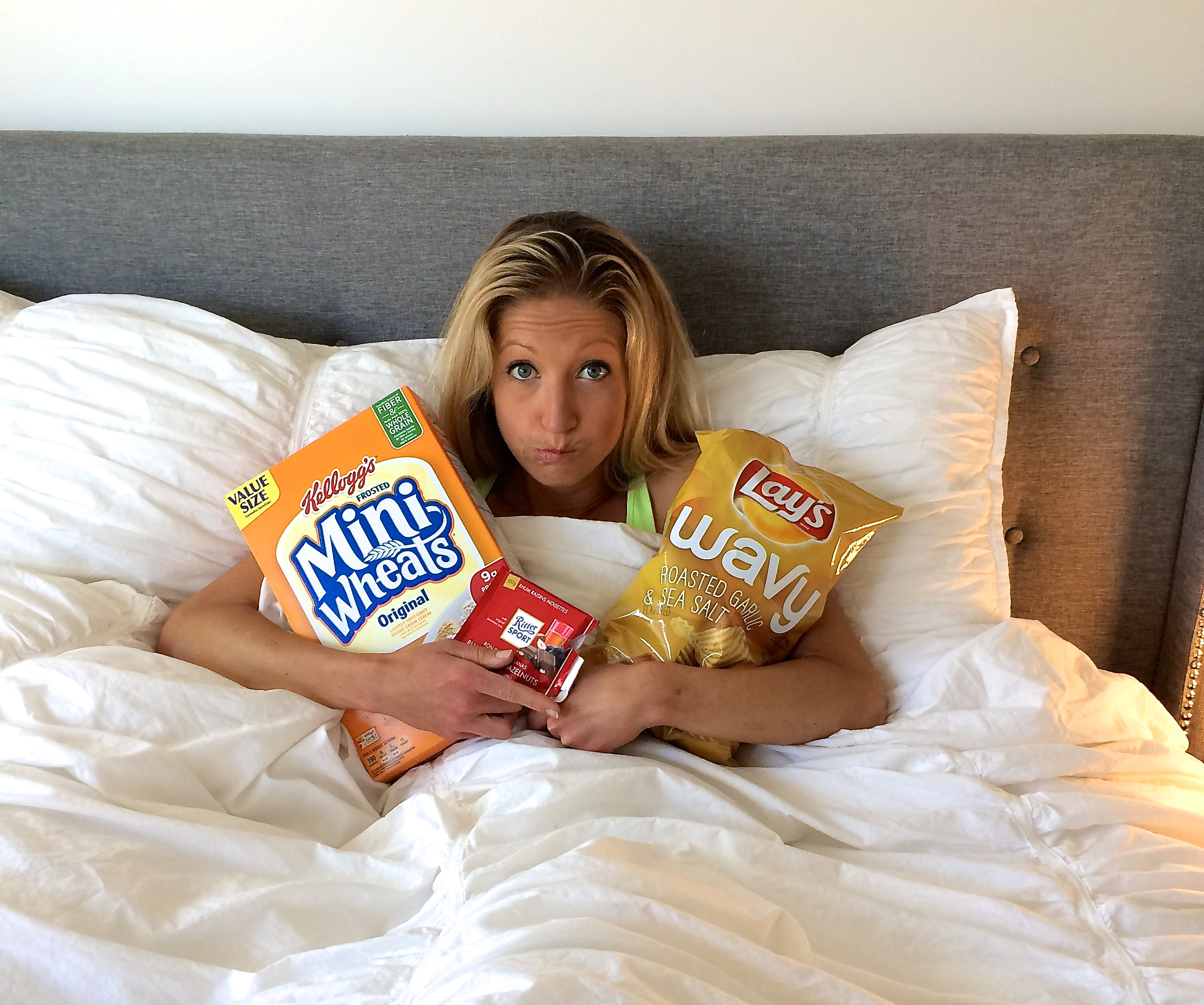 Will Eating Before Bed Make You Gain Weight? With Mini Wheats and Lays Chips It Might! Read this before you have a Pre-Bedtime Snack! Eat Well and you will Sleep Well.